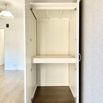 小さめの収納スペース!