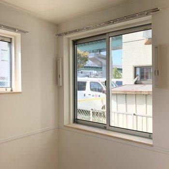 こちらの窓の外が先ほどの空間です。