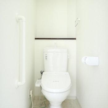 トイレは棚がありますよ!