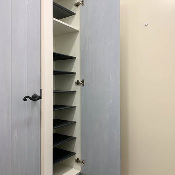 シューズボックスも背の高いものがあります。※写真は前回募集時のものです