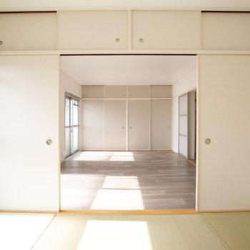 和室までつなげると、合わせて20畳の空間になります。