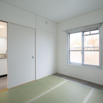 もう1部屋の和室はキッチンの前に。