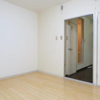 7帖の空間ですね(※写真は1階の同間取り別部屋のものです)
