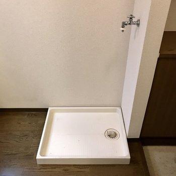キッチン隣に洗濯機や冷蔵庫を置けます。