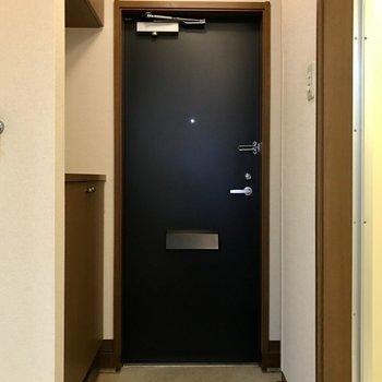 玄関スペースはちょうどいいサイズ。