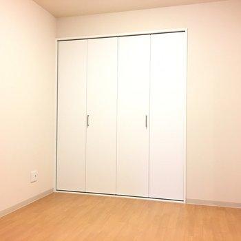 洋室にはクローゼットが!