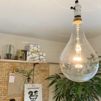 エジソンランプが似合いますね。※写真は1階モデルルームのものです