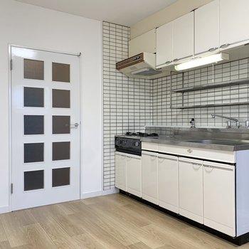【DK】このキッチン、なかなか観察しがいがありそうです。