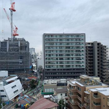 眺望は近隣の住宅です。