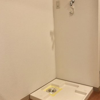 洗濯機置き場はキッチン横です。