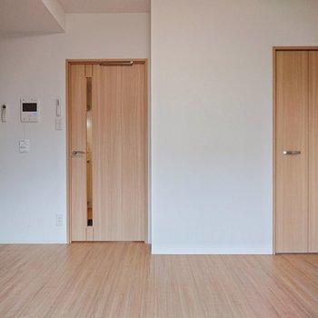 洋室は横幅があるからか、広く感じられます。