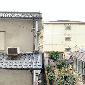 眺望は建物。洗濯物の目線は気になりませんね!