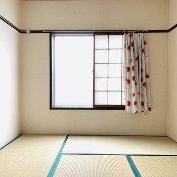 【水回り隣の和室】やっぱり畳って落ち着く。(※お部屋は通電前です。)
