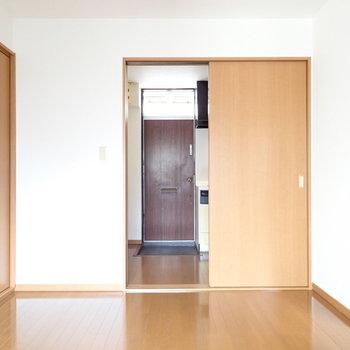 扉は引き戸タイプなので、空間をめいっぱい使えますね