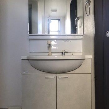 独立洗面台はうれしいですね。