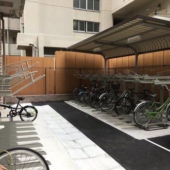 駐輪場は屋根付きです◎