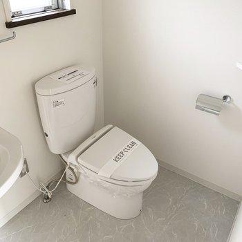 広々空間のおトイレでした。