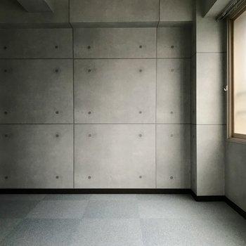 ダイニングとなりの洋室です。窓もあって開放的