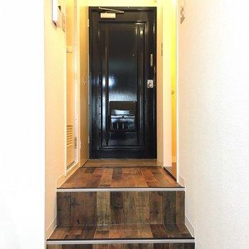階段を上がりましょう。