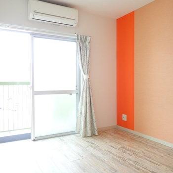 洋室。ブラウンのベッドを置きたい。※壁紙の色は写真より落ち着いています