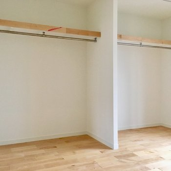 【イメージ写真】大容量のオープン収納。夫婦でも一人ひとつ、分けられるのが嬉しい。