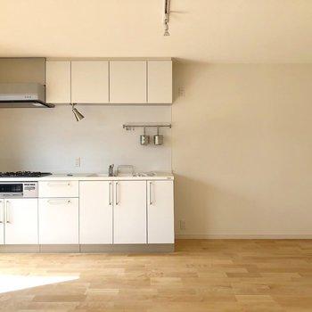 【イメージ写真】大きなキッチンが主役のリビング!