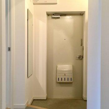 【イメージ写真】玄関も広々しています。