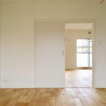 【イメージ写真】ドアは開けたままつかってもいいし、来客のときには閉めたら便利。