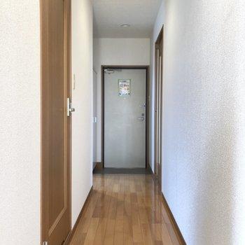 長めの廊下になっています。