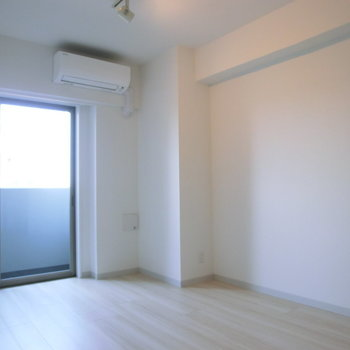 日が入るお部屋ですよ※写真は4階の反転間取り別部屋のものです