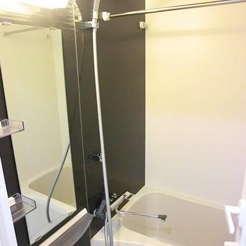 お風呂かっちょいい※写真は4階の反転間取り別部屋のものです