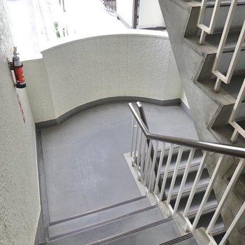 お部屋は3階!エレベーターはなく、階段での登り降りになります!