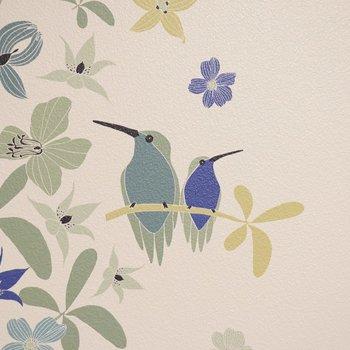 襖のクロスをよく見てみたら、カワイイ小鳥たちが佇んでいらっしゃいました。