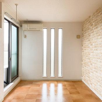 3本に連なった窓がかっこいい〜。