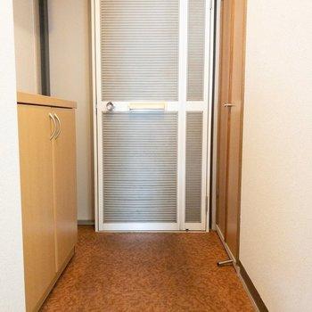 ドアが二重になってます。