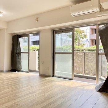 【LDK】窓が大きめで日差したっぷり