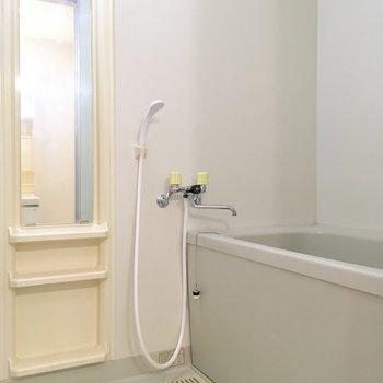 浴室。シンプルで清潔感あります 。