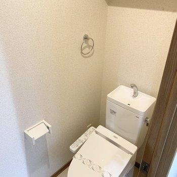 清潔感のあるしっかり個室のおトイレはうれしい。