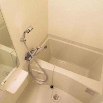 シャワーヘッドが大きいのは嬉しいですね(※写真は15階の類似間取り別部屋のものです)