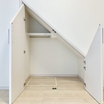 床下にも収納できるんです。