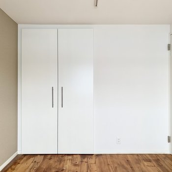 クローゼットの扉も素敵でした。※クリーニング前の写真です