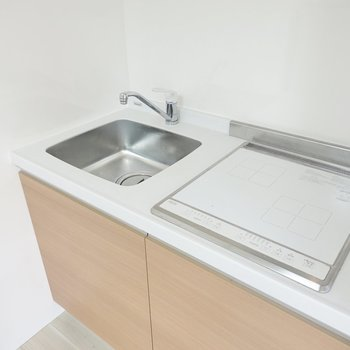 シンプルで使いやすそうですが、調理スペースがないので調理板や台があると便利。