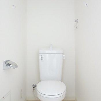 トイレはシンプルですが、綺麗で居心地が良い。