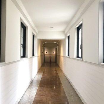 共用部廊下はホテルみたい!