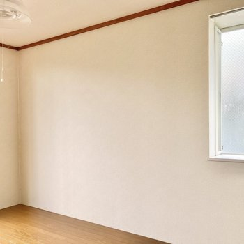 【南側洋室6帖】