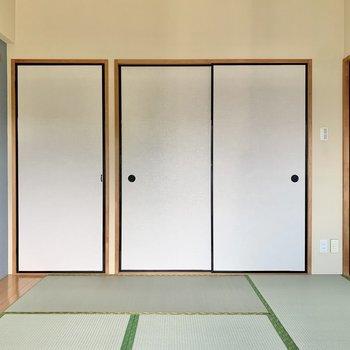 【和室】落ちついた空間です。ごろごろしたいなあ。