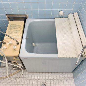 お風呂はバランス釜です。