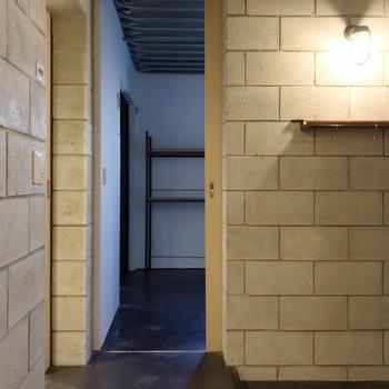 【1F】洋室は脱衣所の隣。ここを寝室にしたいな。