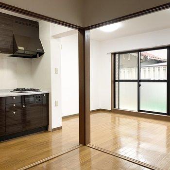 広々お庭と室内も広々使える1LDKのお部屋です。