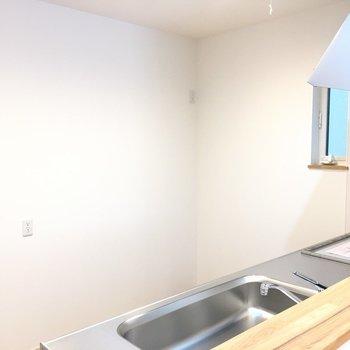冷蔵庫はここに。※写真は反転間取り別部屋のものです